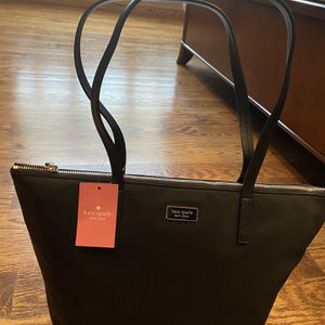 Kate Spade Tote for Sale in Levittown, NY