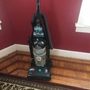 Bissell Helix Vacuum for Sale in Washington, DC