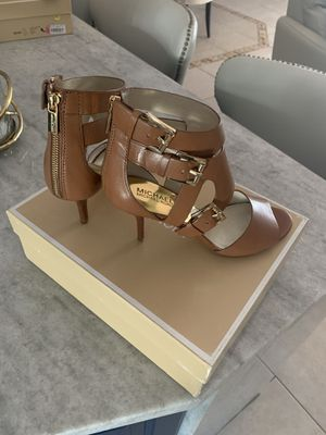 New Michael Kors size 8 almost new for Sale in Cape Coral, FL