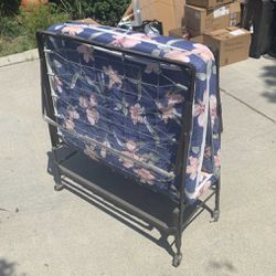 Rollaway Bed for Sale in City of Industry,  CA