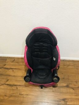 Booster carseat for Sale in Westworth Village, TX