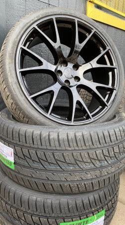 """Brand new 22"""" Black hell cat Rims and New tires 22 Dodge Charger Challenger Chrysler 300 Wheels 22s 5x115 bolt pattern Rines y Llantas Oem factory's for Sale in Dallas, TX"""