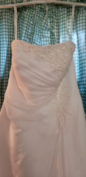 Wedding dress and bridesmaid dress for Sale in Dade City, FL