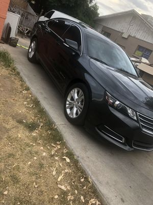2014 Chevrolet Impala rest salvaje 107 millas $8500 for Sale in Phoenix, AZ