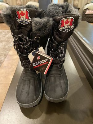 Pajar Canada women's snow boots - brand new for Sale in Phoenix, AZ
