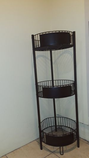 Two round rack shelves for Sale in San Diego, CA