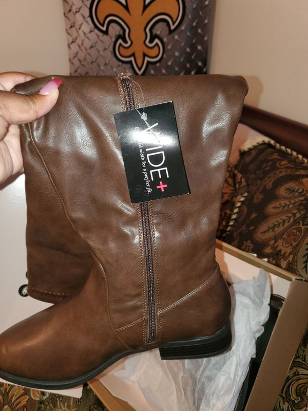 Sz 10 women brown full wide calf boot New from charlotte Russe