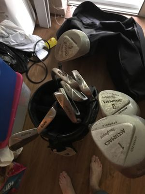 Used clubs beginner set for Sale in Redmond, WA