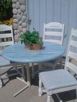 Beautiful Beach Coast Table And Chairs for Sale in San Bernardino,  CA