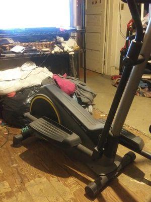 Gold gym stride trainer 350i elliptical machine for Sale in Salisbury, MD