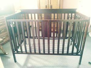 Baby crib for Sale in East Pittsburgh, PA