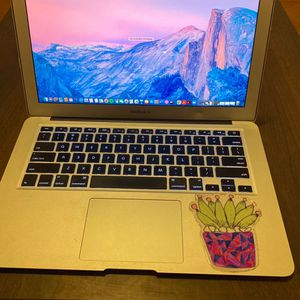 Selling Apple MacBook Air for Sale in Laguna Beach, CA