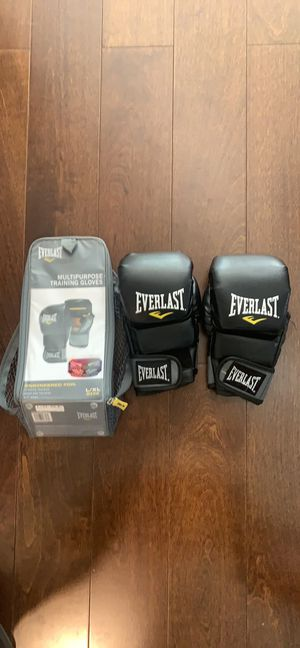 Everlast Multipurpose training gloves for Sale in Lake in the Hills, IL