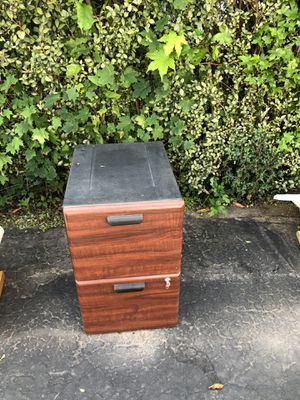 Filing cabinet with lock for Sale for sale  Edison, NJ