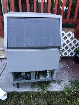 Ice maker used but works great,$400 for Sale in Granite City, IL