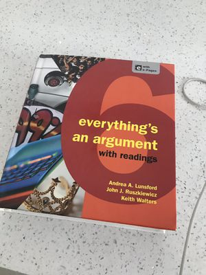 Everythings an argument with readings hard cover for Sale in Hialeah, FL