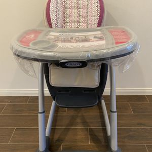 Graco Blossom 6 in 1 Convertible High Chair (all accessories & booster included) for Sale in Irvine, CA