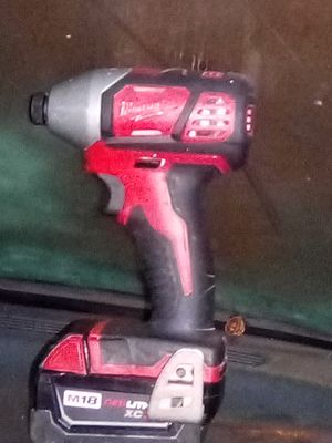 Milwaukee impact drill w battery for Sale in Bell Gardens, CA