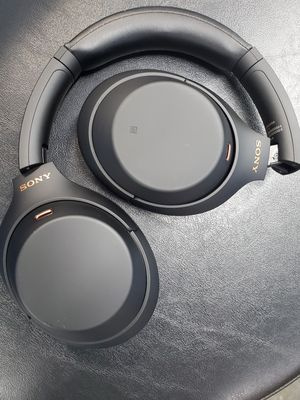 Sony wireless headphones 1000xm4 for Sale in Alhambra, CA