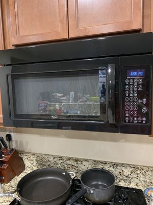 Whirlpool Microwave for Sale in Palmdale, CA