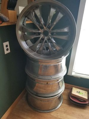 22 inch rims 6 lugs for Sale in Loris, SC