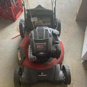 2 FREE Push Lawnmowers Need maintenance for Sale in Reading, PA