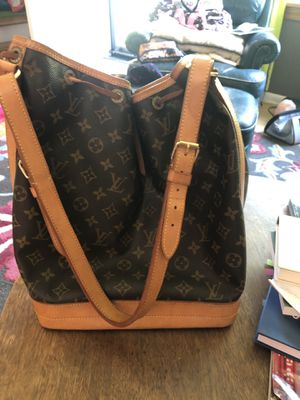 Louis Vuitton for Sale in Cleveland, OH