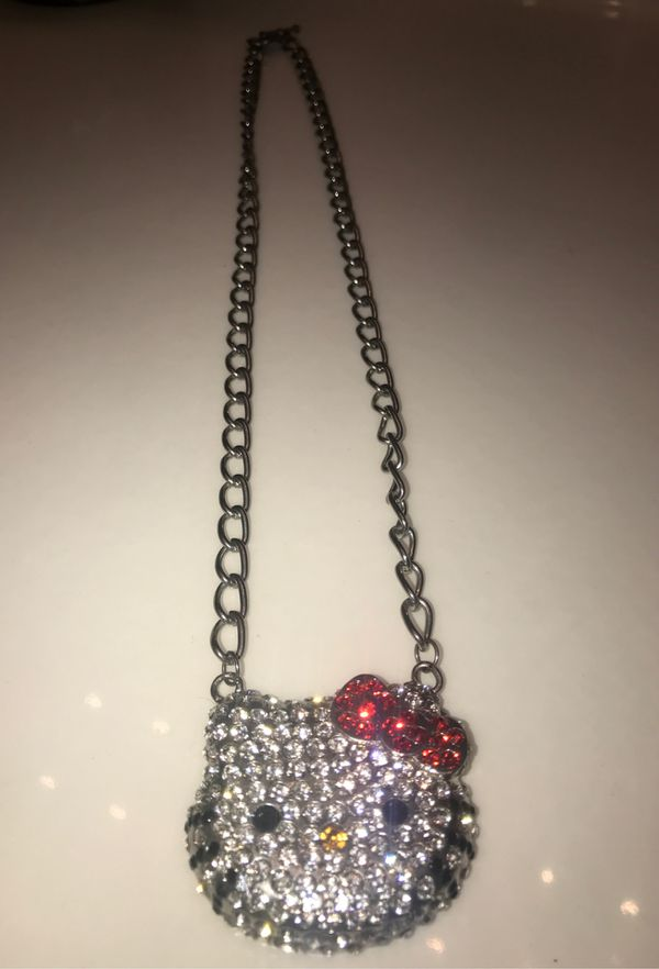 CUTE HELLO KITTY NECKLACE!!