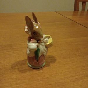 Beatrix Potter Figurine Mrs. Rabbit for Sale in Kent, WA