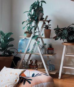 Minimal Tiered Bookshelf for Sale in Seattle,  WA