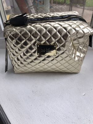 Metallic Gold new makeup purse $20 for Sale in Fresno, CA