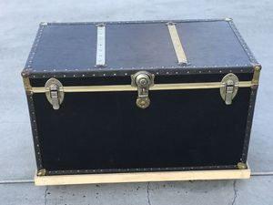 Vintage chest in good condition for Sale in Fullerton, CA