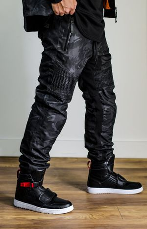 Ride rich armored motorcycle pants joggers for Sale in San Leandro, CA