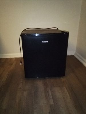 Miniature Galanz fridge and freezer for Sale in McKeesport, PA