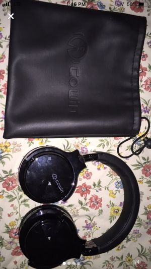Cowin Bluetooth Headphones for Sale in Wichita, KS
