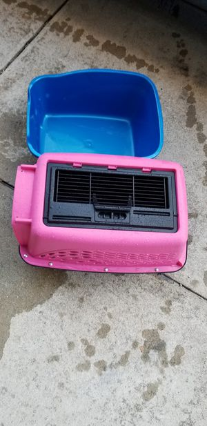 Pet carrier and litter box for Sale in Philadelphia, PA