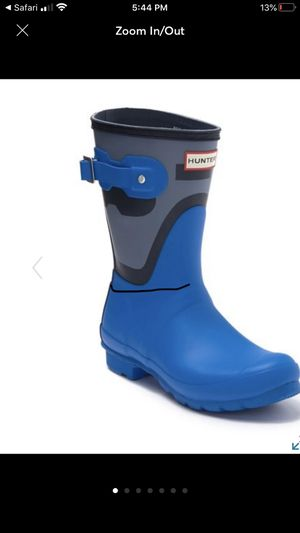 Hunter short rain boots size 5 for Sale in San Fernando, CA