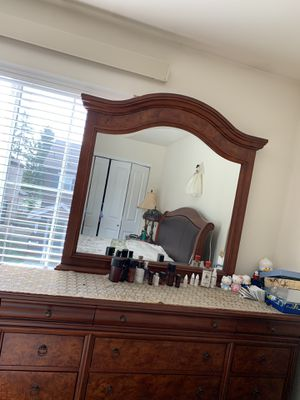Bedroom set (mirror with dressers, 1 queen size bed including headboard) for Sale in Lacey, WA