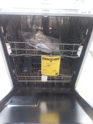 Frigidaire dishwashers stainless steel new scratch and dents good condition 6 months warranty for Sale in Mount Rainier, MD