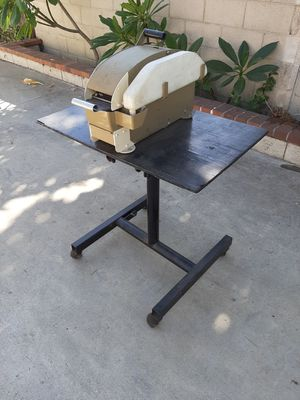 TAPE MACHINE AND STAND ON WHEELS for Sale in Alhambra, CA
