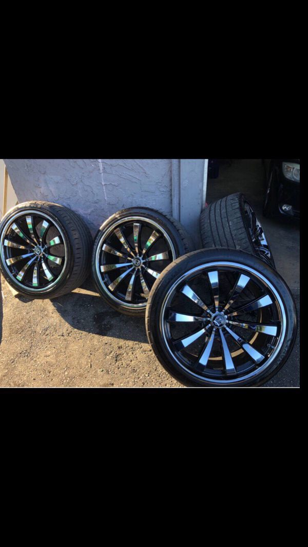 "22""inch rims black and chrome"