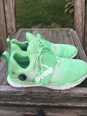 Reebok sneakers size 8.5 for Sale in Horsham, PA