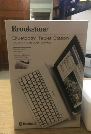 Bluetooth tablet station / Keyboard for Sale in West Springfield, MA