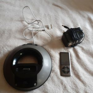 Ipod And JBL Speaker for Sale in Glendale, AZ