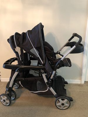 Double stroller Graco Ready2grow click connect for Sale in Golden Oak, FL