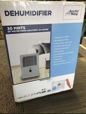 Arctic King WDK30AE7N 30-Pint Energy Star Dehumidifier for Sale in Austin, TX