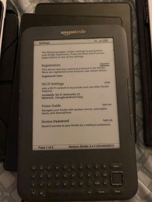 Amazon Kindle Keyboard D00901 3rd gen with case for Sale in Las Vegas, NV