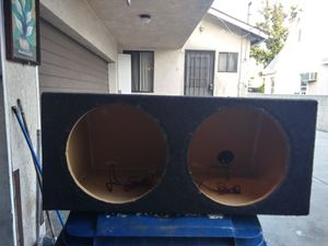 Selling my solid for 2 10 inch speakers box asking $15 for it for Sale in Los Angeles, CA