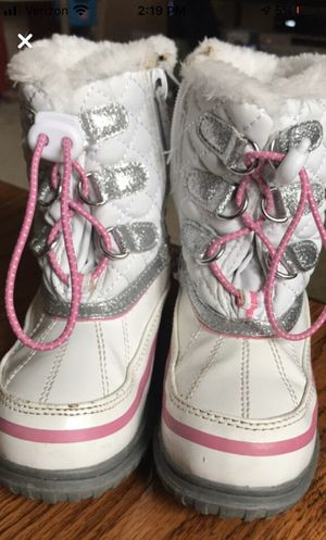 Girls Snow Boots for Sale in New Brighton, PA