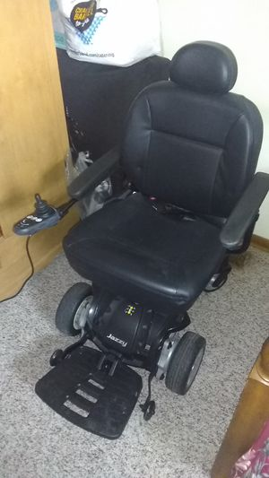 Hadycap wheel chair 2 new batteries an a carrier to hook to ur bumper for Sale in Kingsport, TN